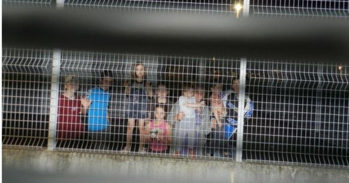 Enfants en centres de rétention.jpg