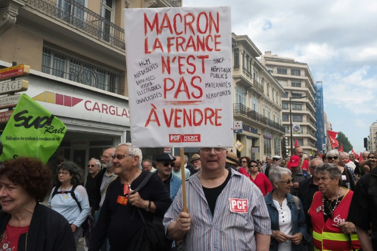 des-anti-macron-manifestent-a-perpignan-le-26-mai-2018